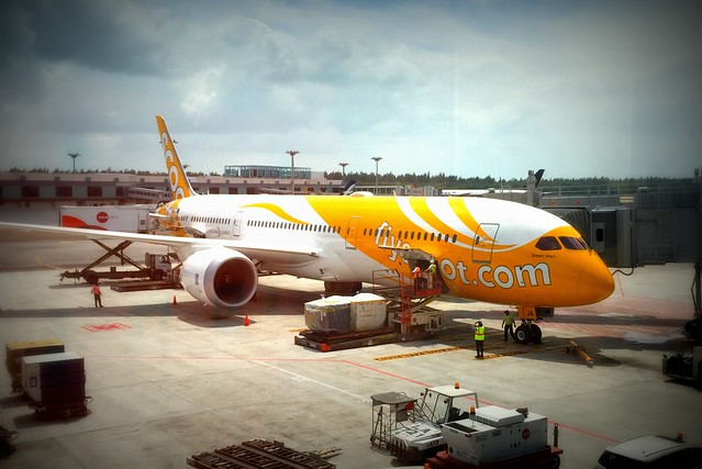 Scoot Dreamliner Jet on Inaugural Flight to Perth