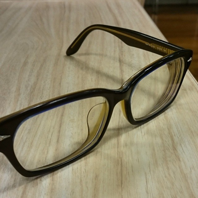 眼鏡を買い換える時期にきたっぽい。コーディングが怪しい。
