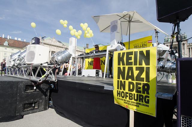 Letrero Kein Nazi in der Hofburg