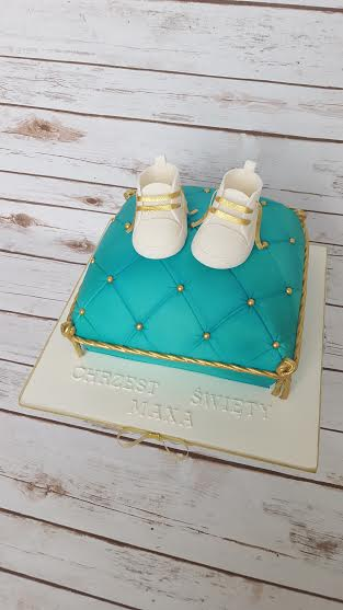 Christening Cake by Ania Rodrigues