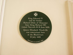 Photo of Richard III, Edward IV, and Elizabeth Woodville green plaque