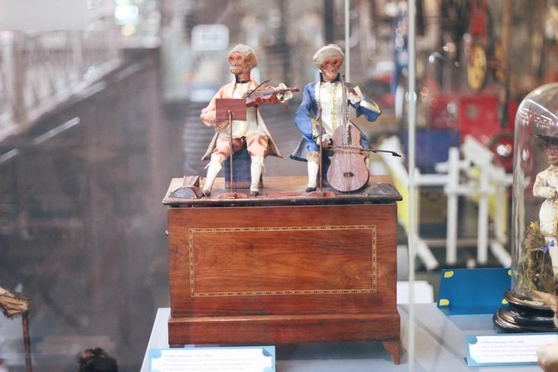 musical monkey automaton