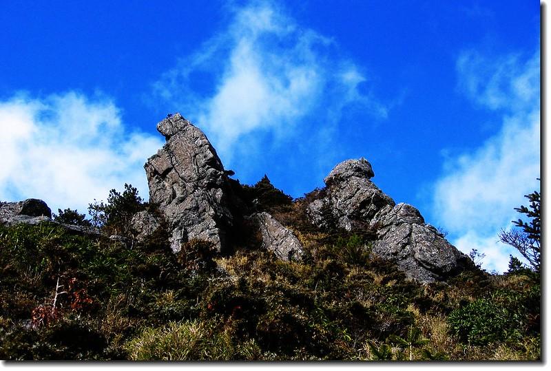 步道旁巨石 2