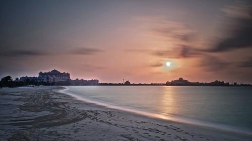 sunset abudhabi emiratespalacehotel longexposurephotography leefilters fujifilmx100s