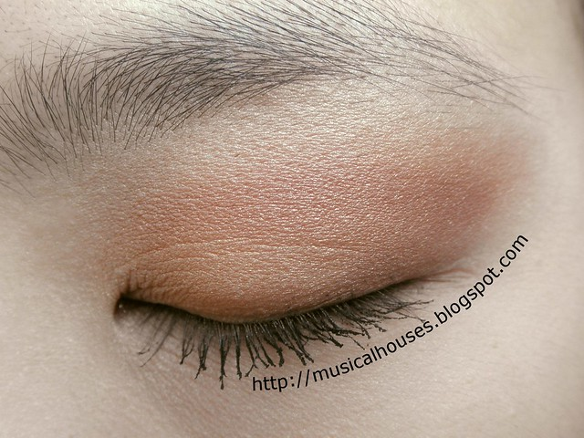 Chinese New Year eyeshadow 1