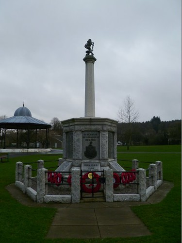 Dalbeattie War Memorial by midgefrazel