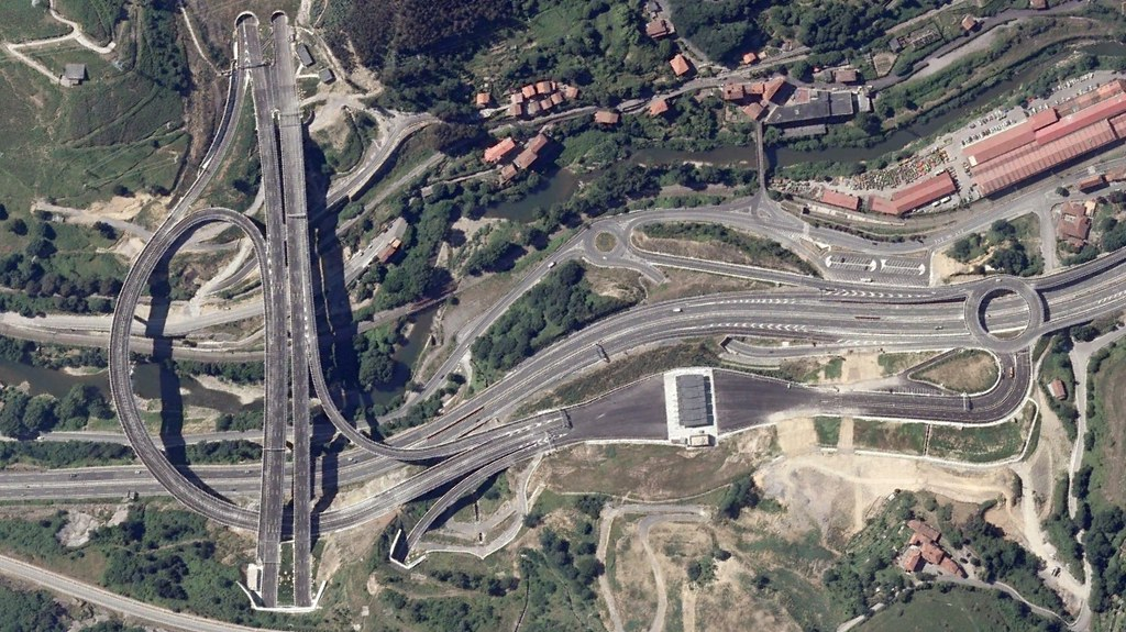 AP8, Bilbao, Bizkaia, bilbainadas, esto va a ser como las radiales, después, urbanismo, planeamiento, urbano, desastre, urbanístico, construcción, rotondas, carretera