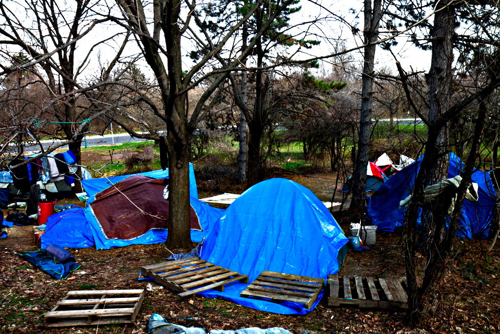 Homeless-encampment-on-4-5-14--Camden