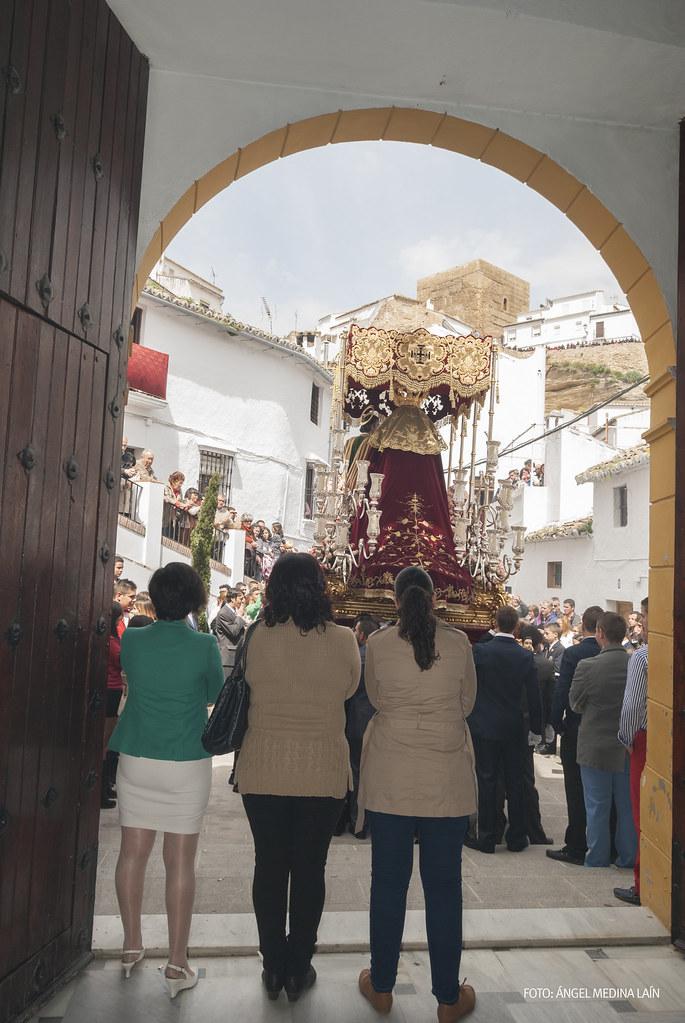 Salida del palio de la Virgen en San Benito. Foto: ÁNGEL MEDINA LAÍN