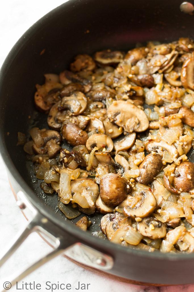 Cheesy Spinach Mushroom Quiche