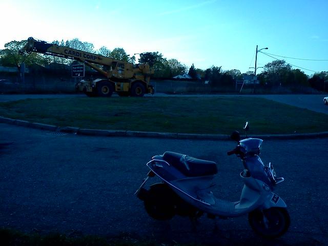 Little Buddy, big Cardi equipment overlooking I-95 on Wellington Ave, Cranston RI