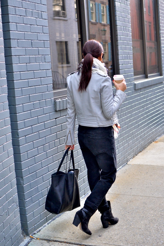 Christine-Cameron-My-Style-Pill-Black-Overalls-rag-and-bone-boots-madewell-bag-new-york-city-west-village3