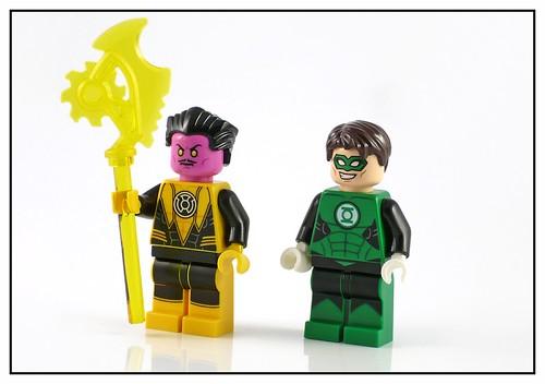 LEGO DC Super Heroes 76025 Green Lantern vs. Sinestro figures01