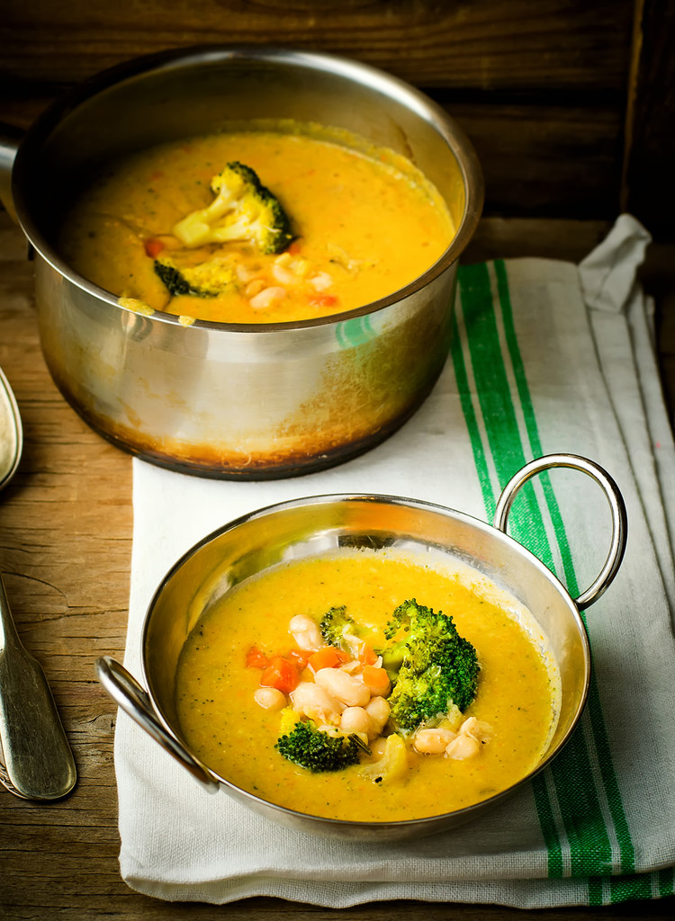 vegetable haricot and broccoli soup
