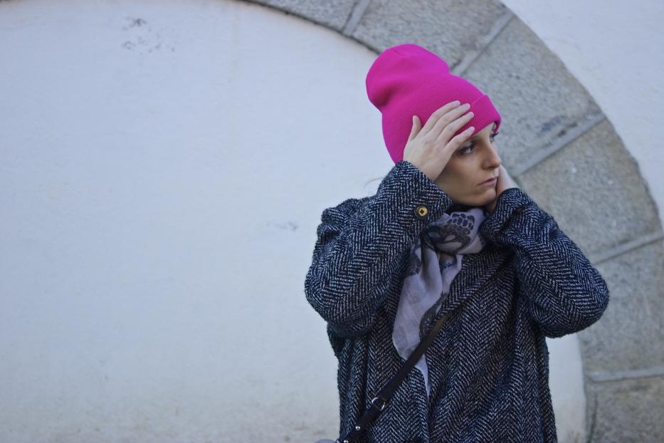 lara-vazquez-mad-lula-style-pop-of-pink