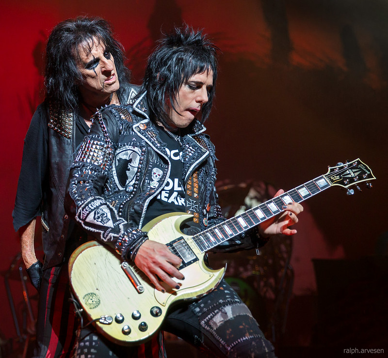 Heb Texas Backyard: Alice Cooper Performing At The Majestic Theatre In San