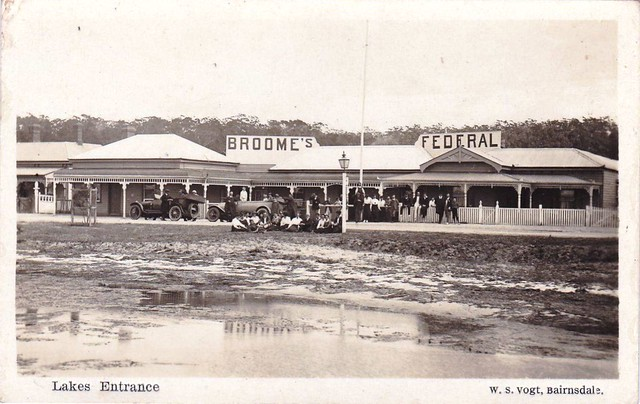 Broome's Federal Guest House, Lakes Entrance, Victoria - very early 1900s