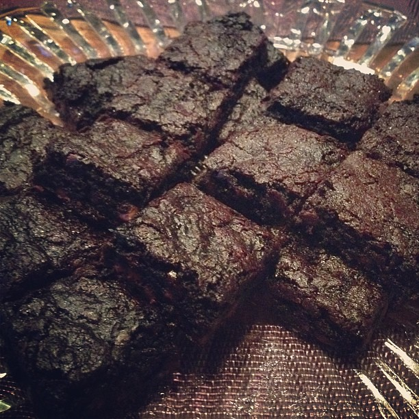 My sister's brownies. Gluten-free, dairy-free, nut-free and lacto-ovo-free. It's all good. #brownies @tipsyo