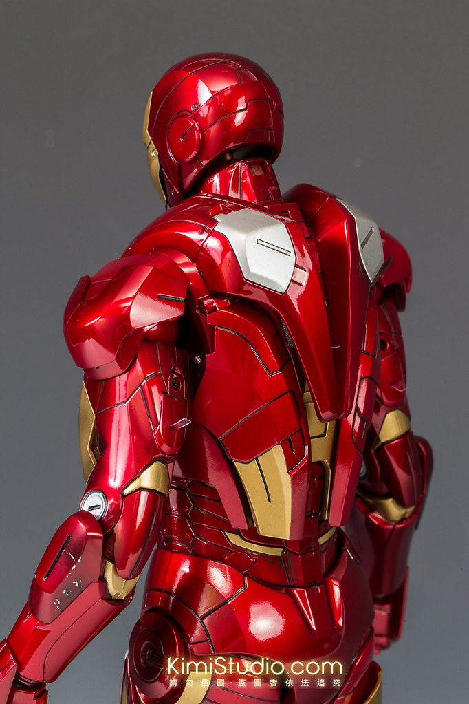 2013.06.11 Hot Toys Iron Man Mark VII-025