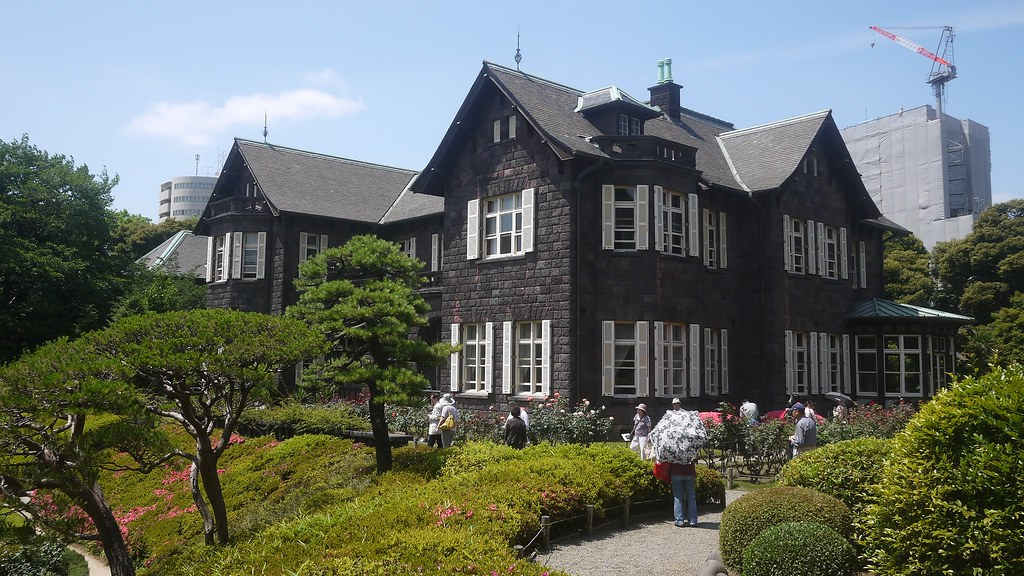 Tokyo Shorts - Kyu-Furukawa Gardens (旧古河庭園), Tokyo Japan