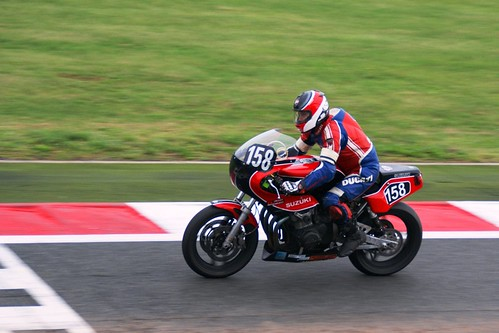 Yannick Lebrot (Suzuki-Martin GSX, 1980_Team Racing Nivernais_BOC) passe la ligne en 15ème place