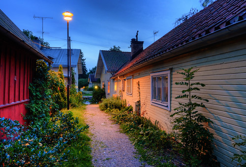 city flowers trees houses windows chimney plants grass fence landscape boat alley sweden dusk path cords rustic roofs sverige ladder pastoral narrow hdr antenna gravel pans trosa