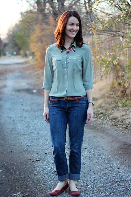 olive-green-button-down-statement-necklace-2