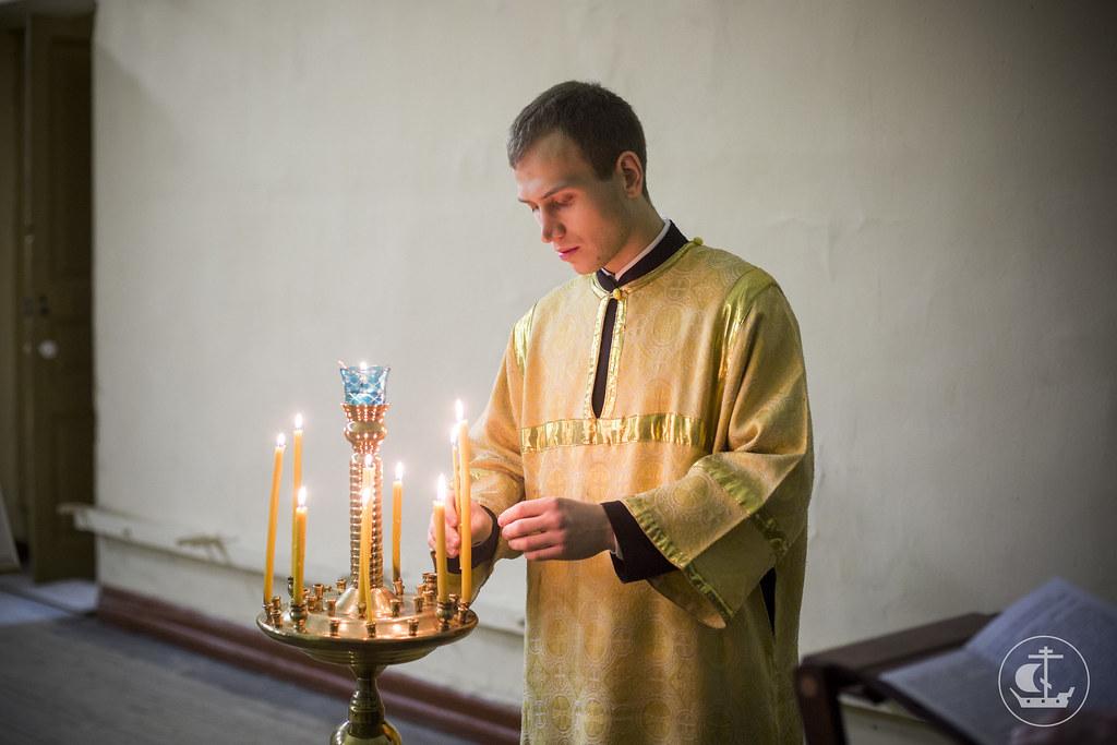 22 декабря 2013, Божественная литургия в Неделю 26-ю по Пятидесятнице в храме Двенадцати апостолов