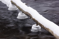 Ice-based UFO docking station