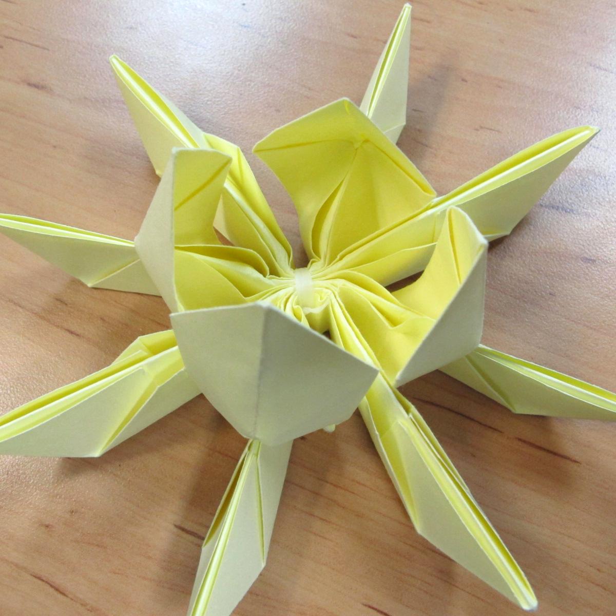 วิธีการพับกระดาษเป็นดอกบัวแบบแยกประกอบส่วน 020
