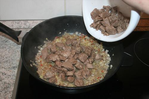 30 - Fleisch wieder dazu geben / Add meat again