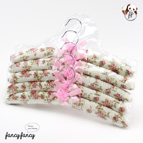 94.白色玫瑰緞帶蝴蝶結布質衣架(一組五支)