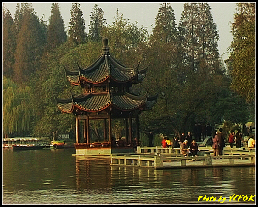 杭州 西湖 (其他景點) - 524 (西湖十景之 柳浪聞鶯 在這裡準備觀看 西湖十景的雷峰夕照 (雷峰塔日落景致)