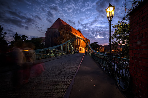 road old city bridge sunset urban church horizontal outside outdoors evening twilight streetlight europa europe tramonto mood arch outdoor steel poland illuminated ponte cobblestone chiesa arco polonia wroclaw lampione silesia breslau outdoorshots orizzontale breslavia outdoorshot tumskibridge slesia slesien viaggiosettembre2013
