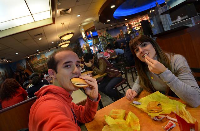 Cenando en el McDonalds de Times Square