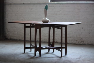 Unique Bendt Winge Mid Century Modern Drop Leaf Dining Table Model NR4 for Kleppes Mobelfabrik (Norway, 1950s)