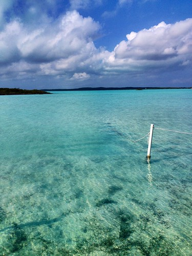 ocean blue island lagoon