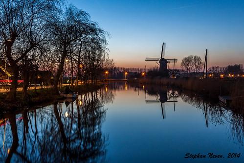 sunset reflection tree mill water netherlands windmill dutch blauw dusk nederland bluehour lucht molen haastrecht vlist boezemmolen