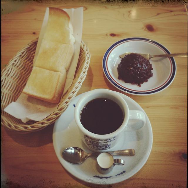 Toast and adzuki bean jam