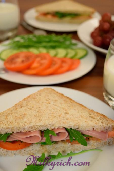 5- bánh mỳ gối kẹp thịt nguội