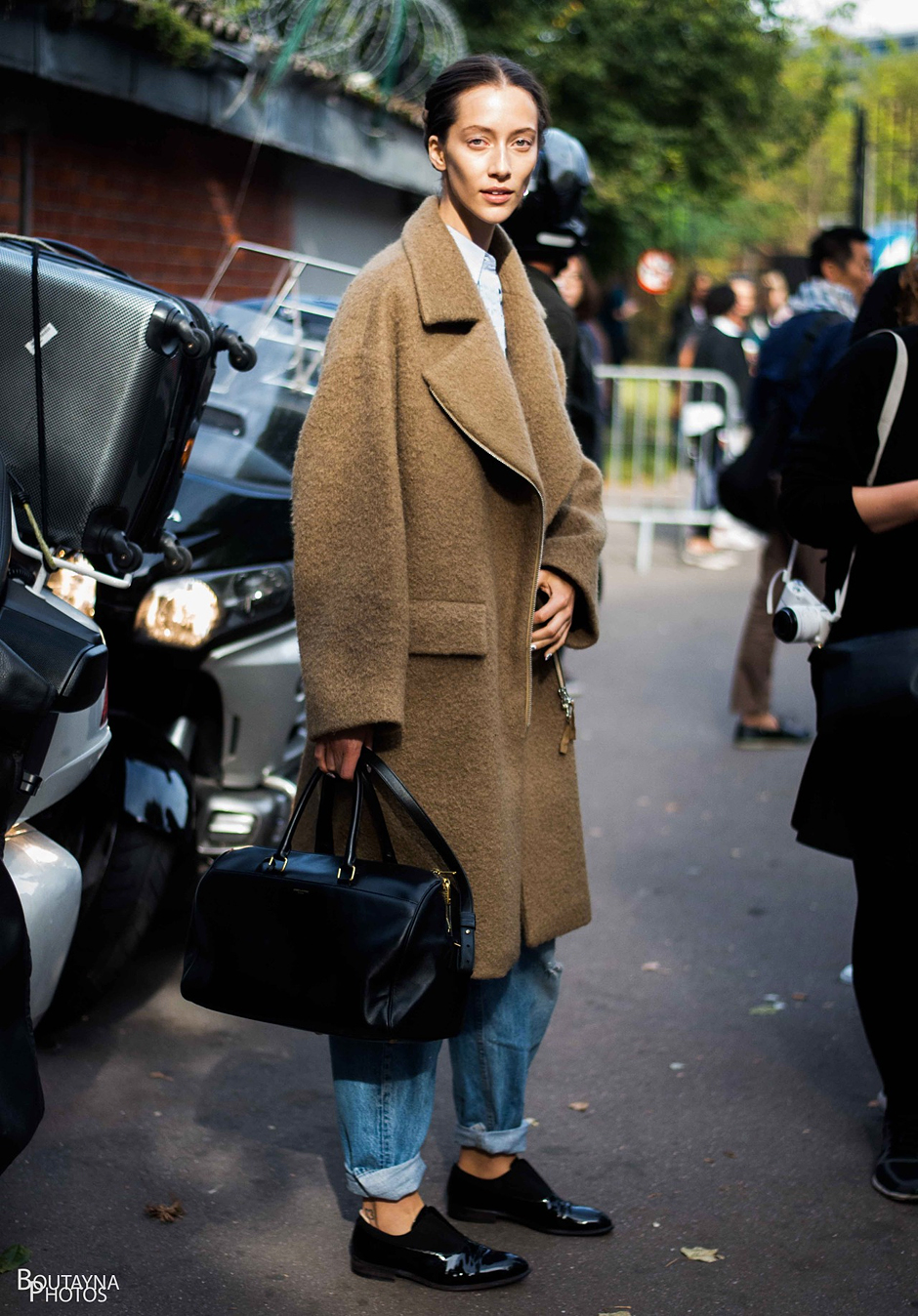 chic-outfits-with-brogues-coats