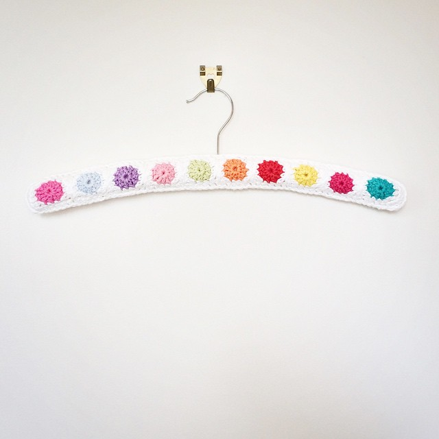 Crochet hanger No. 3. Pattern from Mollie Makes 41