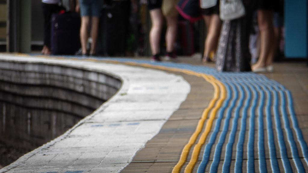 Curved Platform