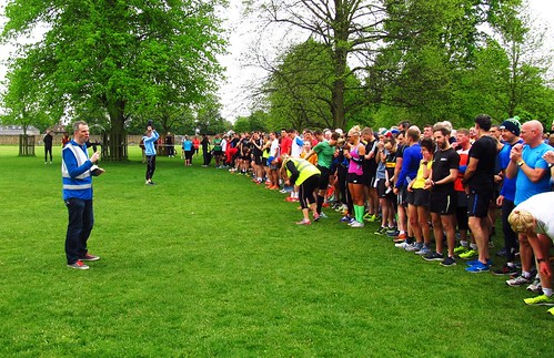 Run Director Andy Wingate addressing 1155 parkrunners on Lime Avenue