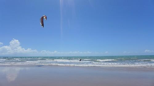 Kitesurfing in Canoa