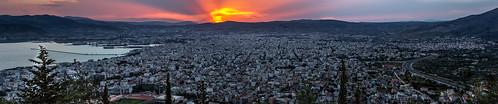 Βόλος, πανοραμική άποψη από τον λόφο της Γορίτσας... by Dimitris Amountzas