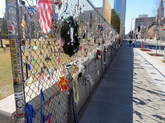 oklahoma-memorial-fence