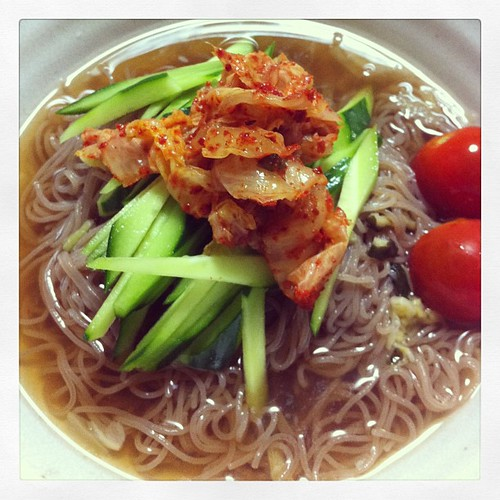 Korean cold noodle is one of my fave Korean food:)