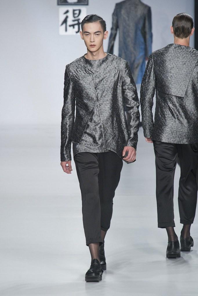 SS14 Milan Ji Wenbo005_Tang Xiaotian(fashionising.com)