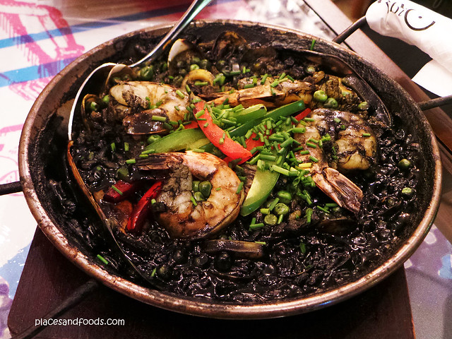 sabio by the sea paella with black squid ink